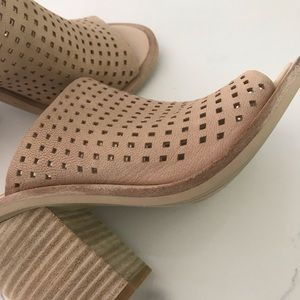 Dolce Vita Shoes - Dolce Vita Wales Blush Perforated block heels 6